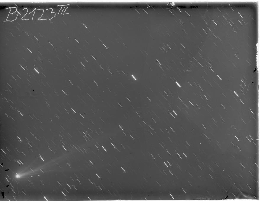 B2123_3p